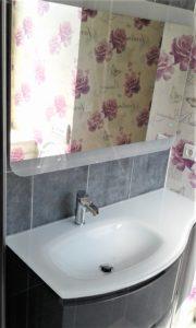 Simple vasque floral