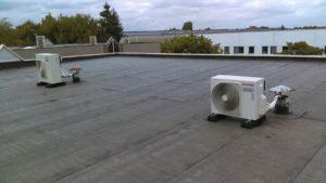 Installation de groupes extérieurs climatisation