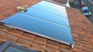 Installation sur tuiles de panneaux solaires thermiques