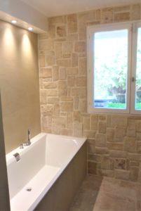 Salle de bain naturelle